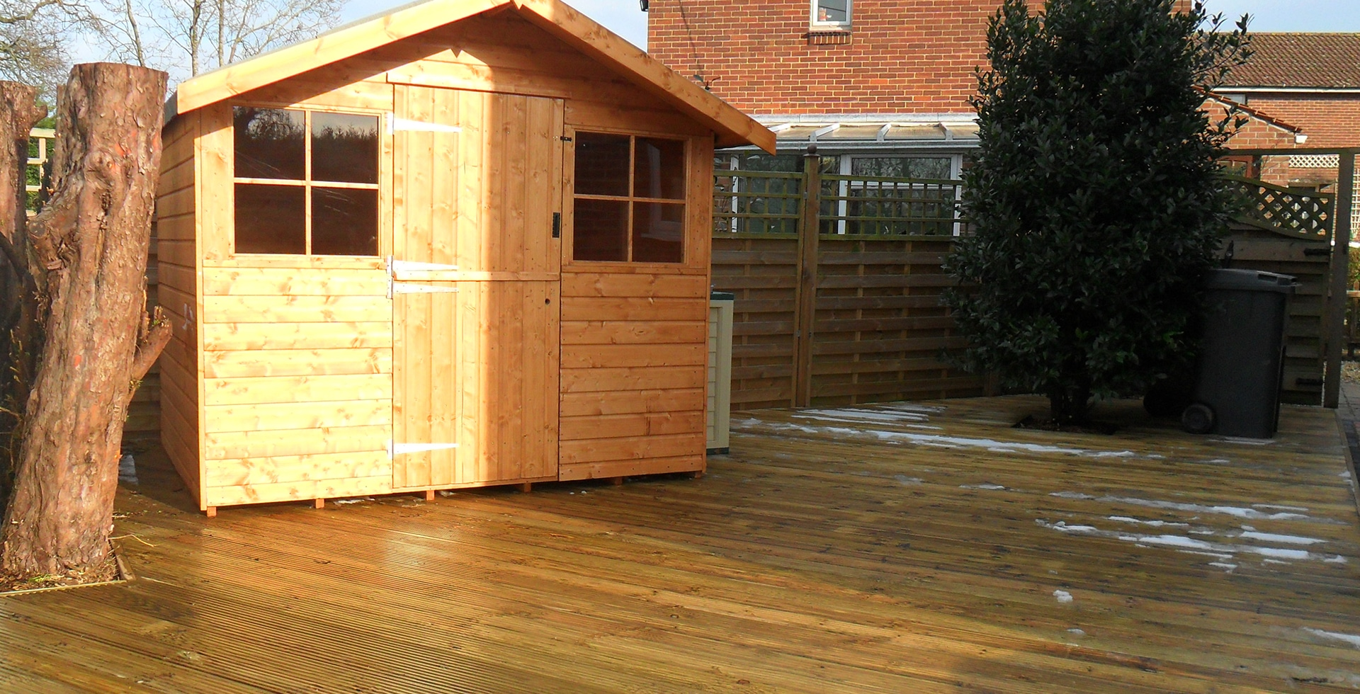Sheds Decking and fencing Southampton Hampshire